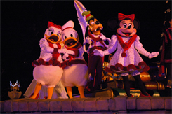 Minnie, Goofy y Donald
